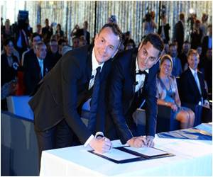 France: 7,000 Same-sex Couples Tied the Knot Last Year