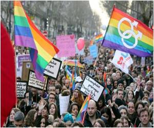 Thousands Support Gay Marriage in Paris