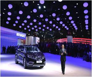 Paris Motor Show: High-Tech Gadgets Rule the Roost