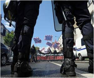 Protest Against Gay Marriage In Paris Gets Heavy Security