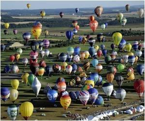 Two New Records Set By Hot-air Balloon Festival in France