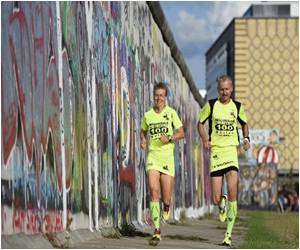 300 Ultramarathon Runners Trace Berlin Wall, 25 Years on