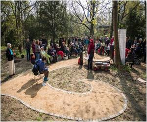 Lesbian-Only Cemetery 'Her-Storic' Opens in German Capital