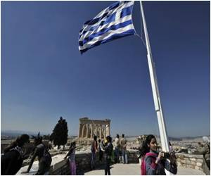 Greeks Hope Better Tourism Economy