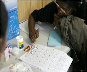 UNAIDS Says Record Number of Africans Get AIDS Drugs