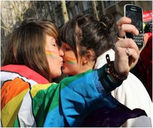 Coming Out Reduces Stress Levels Among Gays