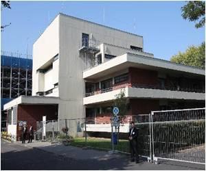 German Hospital Cures Ugandan Doctor for Ebola