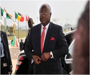 Sierra Leone Deploys Troops to Ebola Clinics