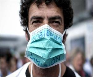 Budget Cuts Blamed by Spanish Medics for Ebola Infection