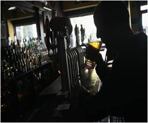 Heavy Drinking Could Speed Memory Loss