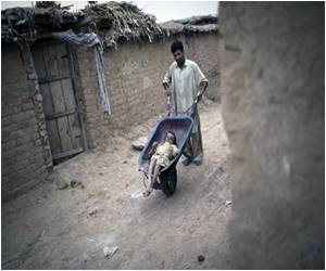 350,000 Pakistan Children in Strife After Polio Campaign Postponed
