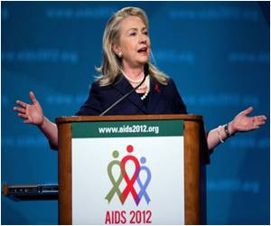 Clinton Says US Serious About Creating AIDS-Free Generation