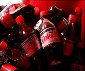 Diet Drinks Linked to Heart Trouble in Older Women