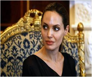 Jolie's Breast Cancer Revelation Brings Spotlight Back on to Legal Battle Over Genes