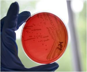 CDC Proposes Coordination Between Hospitals to Slash 'Superbug' Infections