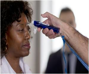 Enhanced Airport Screening for Ebola Halted in the United States