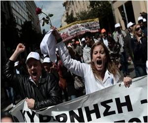 Suicides and Murders on a Rise in Greece