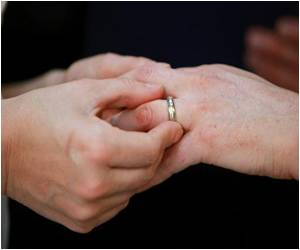 Study Says Marriage is Healthy for the Heart