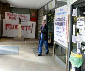 Madrid Doctors' Strike Threat Unable to Prevent Hospital Privatization
