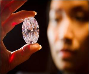 Giant White Diamond In Hong Kong Could Fetch $35mn