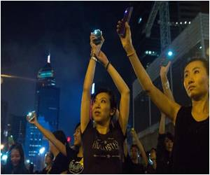 Despairing Youth in Hong Kong Split With Old Guard