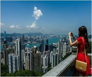 Capacity Concerns Over Chinese Tourists Raised by Hong Kong