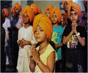 Religious Leaders Hope to Reignite Interest in the Practice of Wearing Turbans