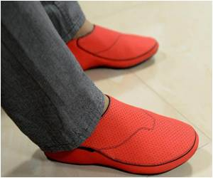 Shoes That Show You the Way Introduced by Indian Start-Up