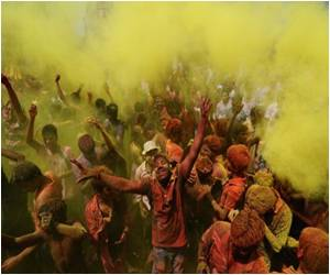 For Safe Holi, Make Natural Colors at Home