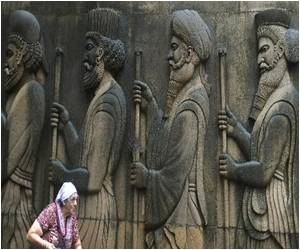At Mumbai Gathering, Parsis Confront Threat to Existence