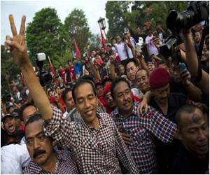 Despite Winning Hearts of People, Questions Raised Over Widodo's Ability to Lead Indonesia