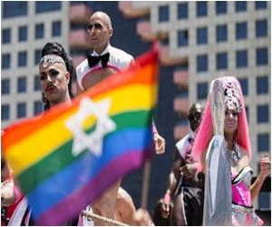 Gay Pride Parade in Tel Aviv Attracts Tens of Thousands of Participants