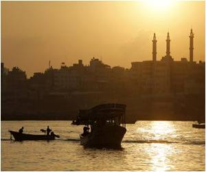 Gaza Fishermen Under Fire at Sea Although Truce Has Been Declared