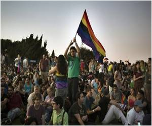Jerusalem Hosts a Peaceful Gay Pride March