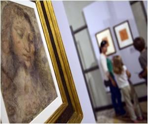 Rare Exhibition of Sketches from Leonardo Da Vinci's Diaries in Venice