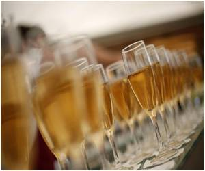 Many Opt for Italian Sparkling Wine to Toast the New Year