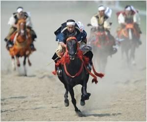 Thousands Participate in Samurai Festival in Japan