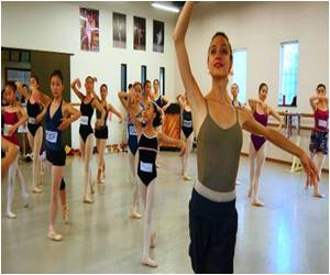 Around 100 Artists to Perform on One Stage To Celebrate 'World Dance Day'