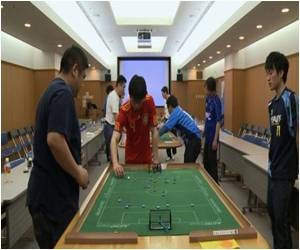 Lo-tech Subbuteo Obtained By Hi-tech Japan
