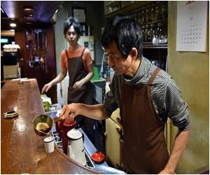 Starbucks Success Does Not Matter for Japan's Dated, Smoky Cafes