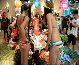 Tokyo Shoppers Strip to Win Free Clothing
