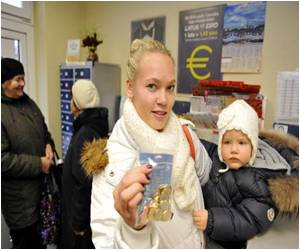 Ahead of Eurozone Entry In Latvia, Euro Coins a Hit With Latvians