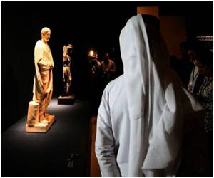 Louvre Abu Dhabi Gallery Displays First Art Collection