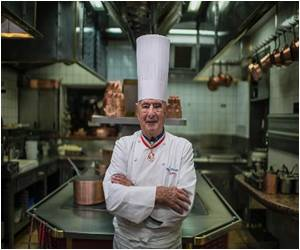 Back Pain Leads to Hospitalization of Bocuse, 'Pope' of French Cuisine