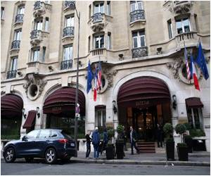 Paris's Landmark Luxury Hotel Closes for Renovation