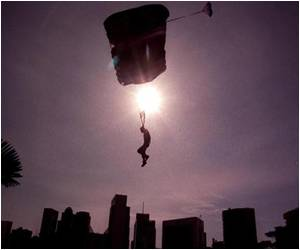 French Daredevils Look to Urban Sites, Much to Disappointment of Base Jumpers