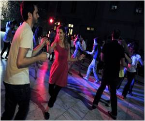 Greeks Turn to Dancing for Respite from Recession Problems