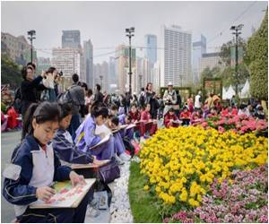 Hong Kong Hosts a Flower Show for Green Thumbs