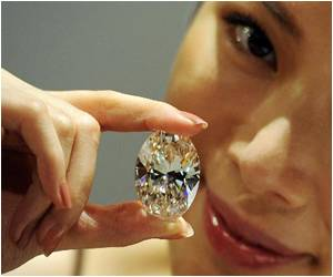 White Diamond Fetches Record $30.6 Mn at Hong Kong Auction