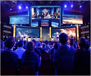 Training, Fans and Transfers With 'Athletes' of Online Gaming